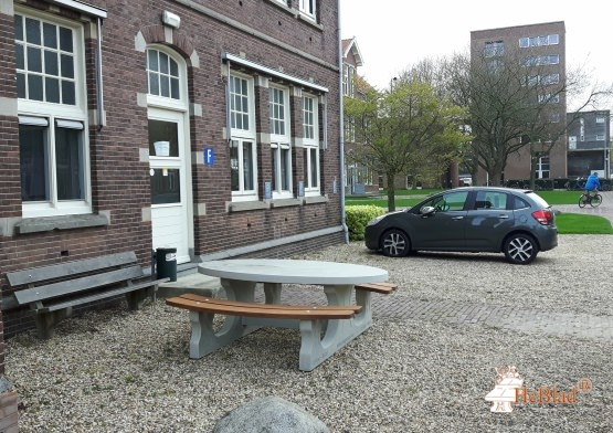 Ovale picknicktafel in Naturel Betonnen uitvoering